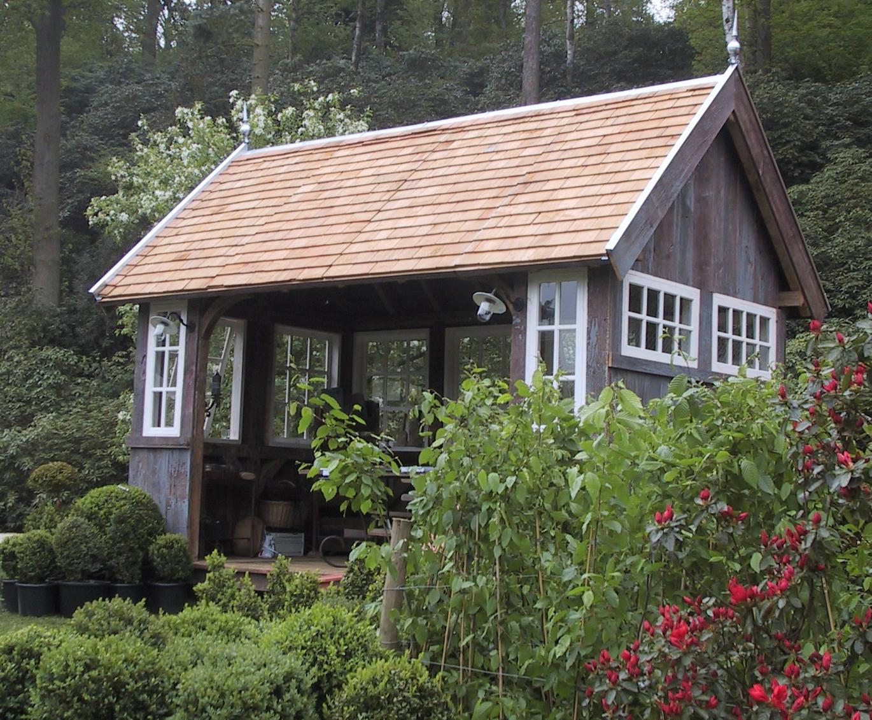 maison de jardin la grange bois. Black Bedroom Furniture Sets. Home Design Ideas